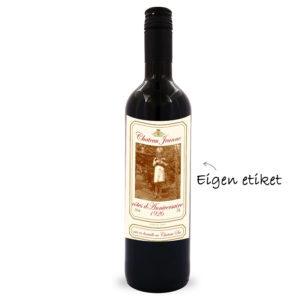 Italiaanse rode wijn met eigen etiket